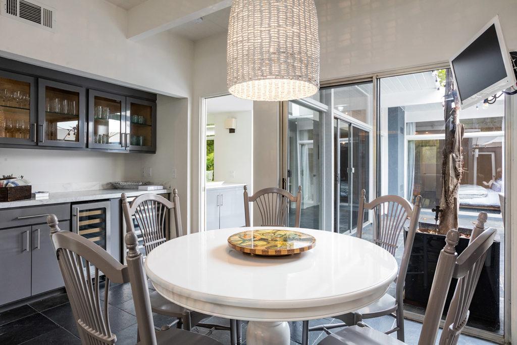 California Contemporary Mid Century Modern Home Dining Room open floor plan