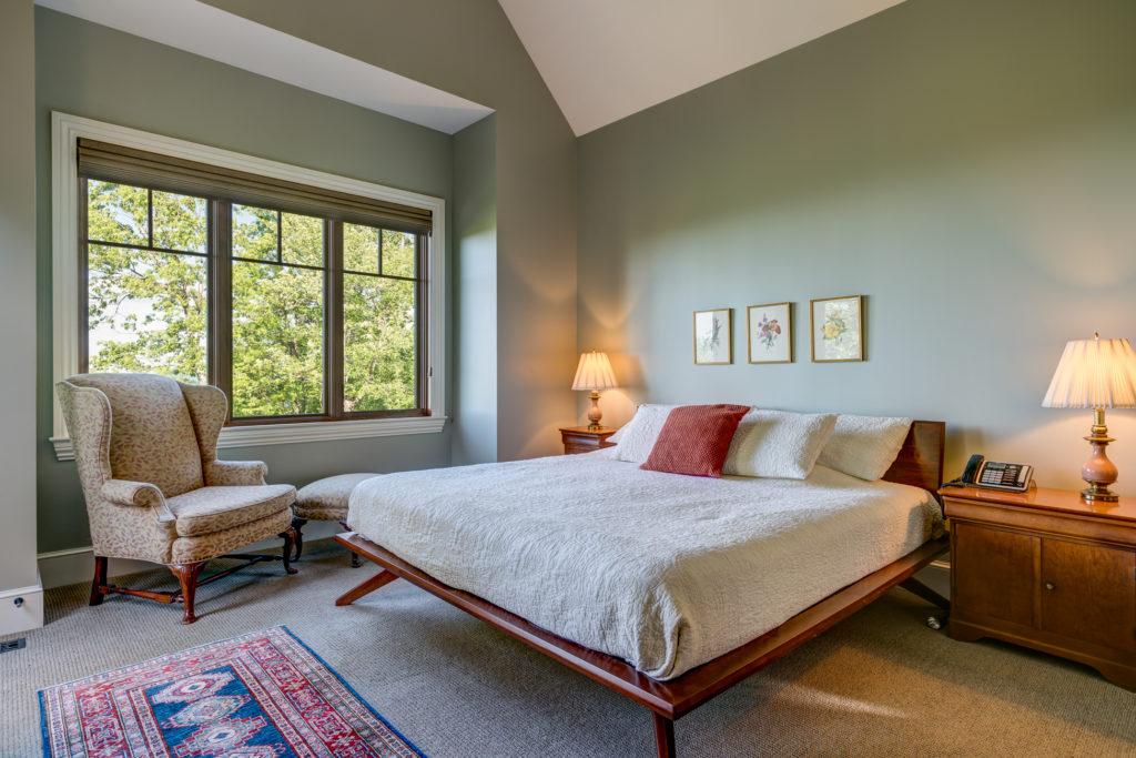 Craftsman Mountain Cabin Cottage bedroom
