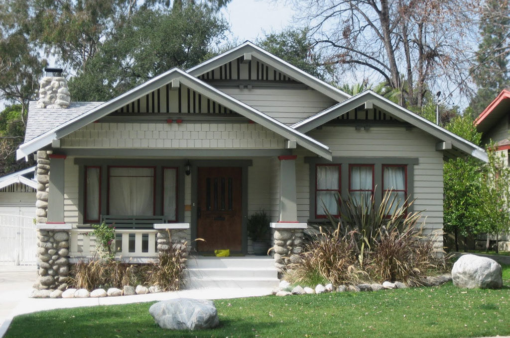 Craftsman and bungalow style homes the modest mansion - Craftsman style house characteristics ...