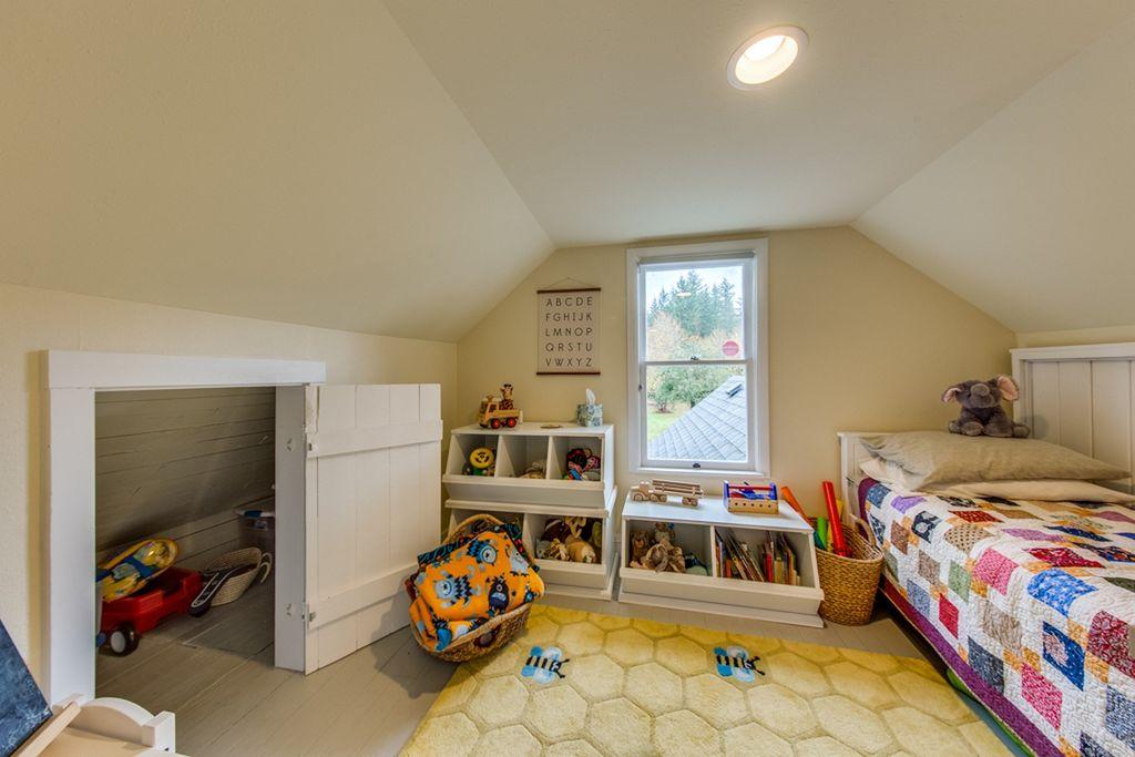 yellow Craftsman Cottage