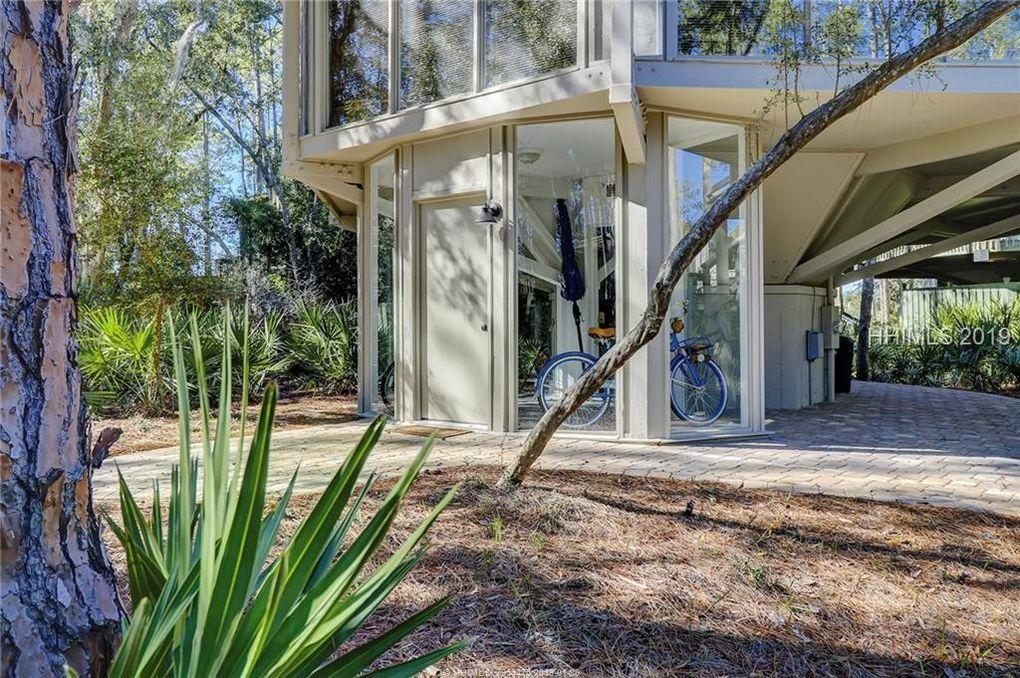 Contemporary Octagonal Home
