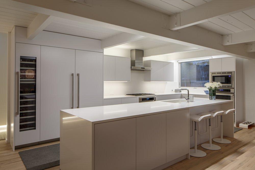 minimalist mid-century Modern